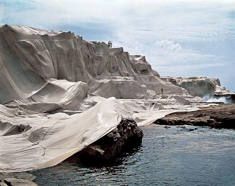 Christo et Jeanne-Claude - Wrapped Coast, One Million Square Feet, Little Bay, Sydney, Australia, 1968-69