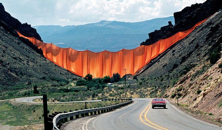 Christo et Jeanne-Claude - Valley Curtain, Rifle, Colorado, 1970-72