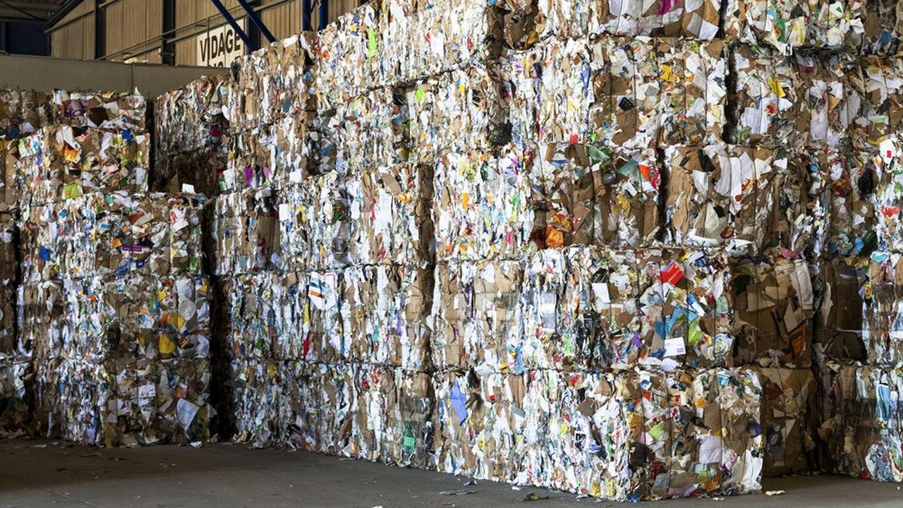 La nouvelle stratégie dite «3R» pour «Recyclabilité Recyclage et Réincorporation des matériaux» s'appuie sur le «plan d'investissement d'avenir quatre» (PIA 4) doté de 600millions d'euros d'ici à 2027.