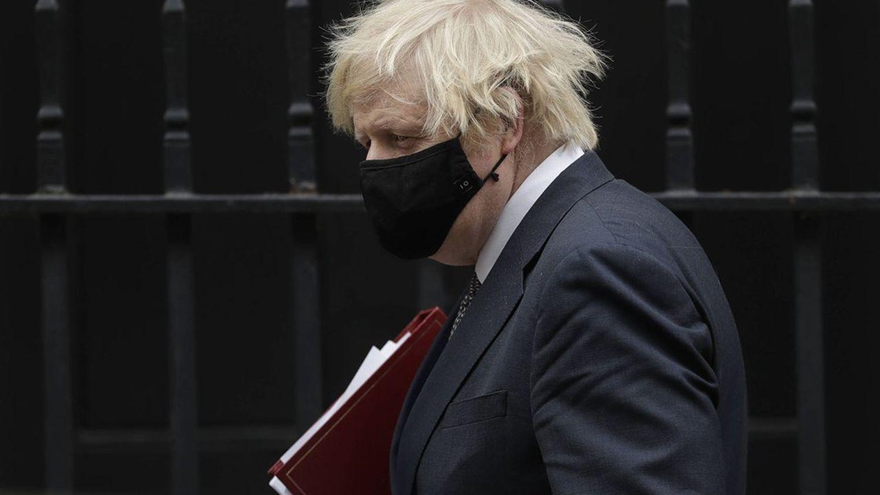 «Nous sommes incomparablement mieux placés pour affronter l'épidémie grâce au vaccin, a avancé le Premier ministre, Boris Johnson. Mais le Covid est toujours là.»