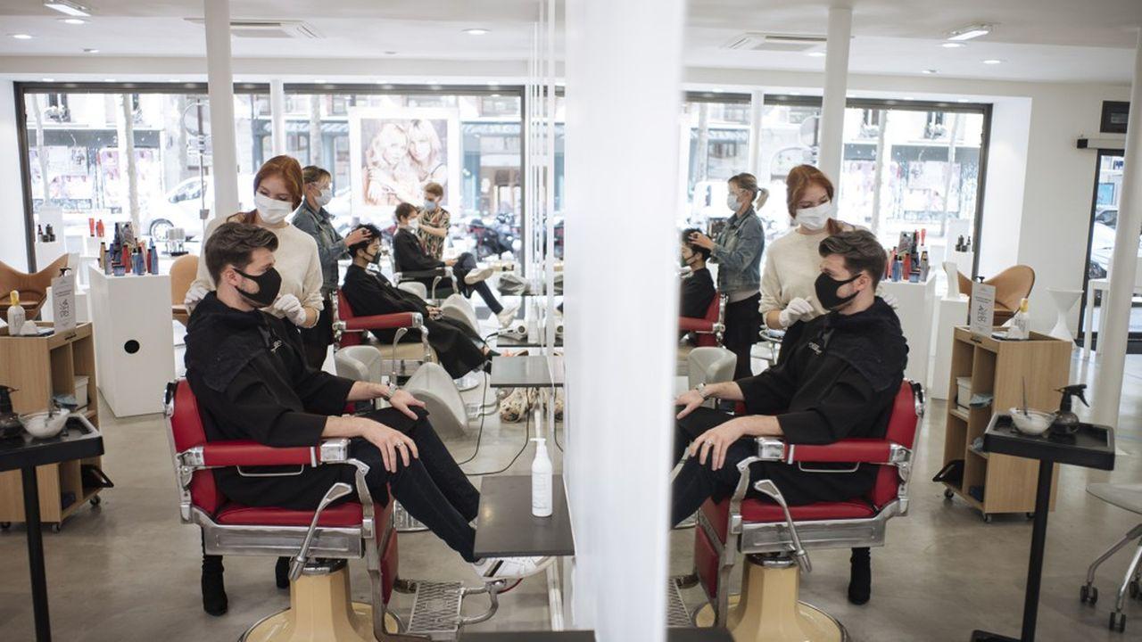 Aujourd'hui, il manquerait de 15 à 20% d'effectifs dans les salons de coiffure.