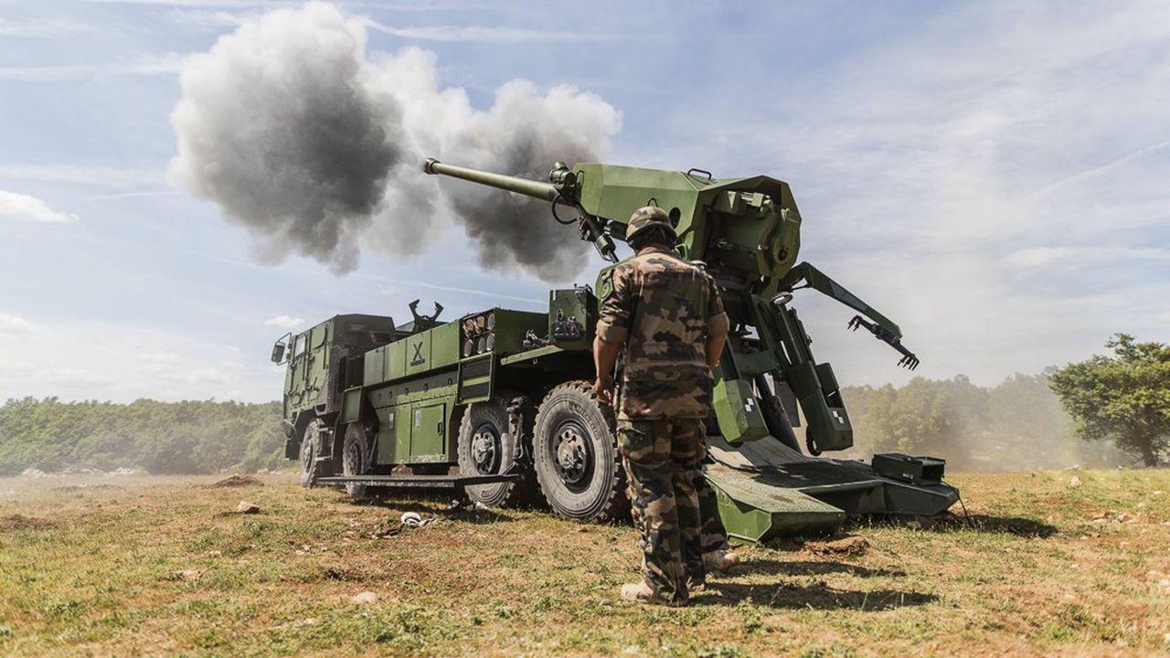 A l'issue d'une compétition qui avait opposé huit offres, le gouvernement tchèque avait sélectionné le canon automoteur Caesar en 2020.