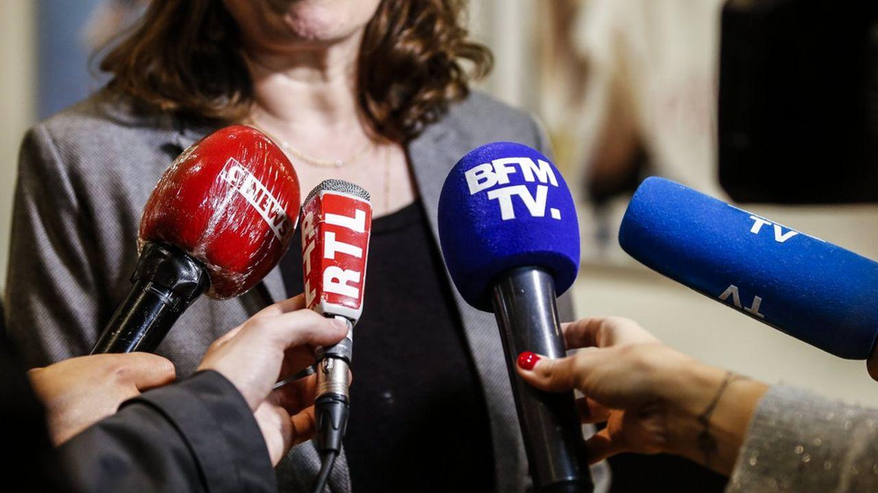 La montée en puissance de CNews depuis 2020 resserre l'écart avec BFMTV et bouleverse le paysage des chaînes d'information en continu.