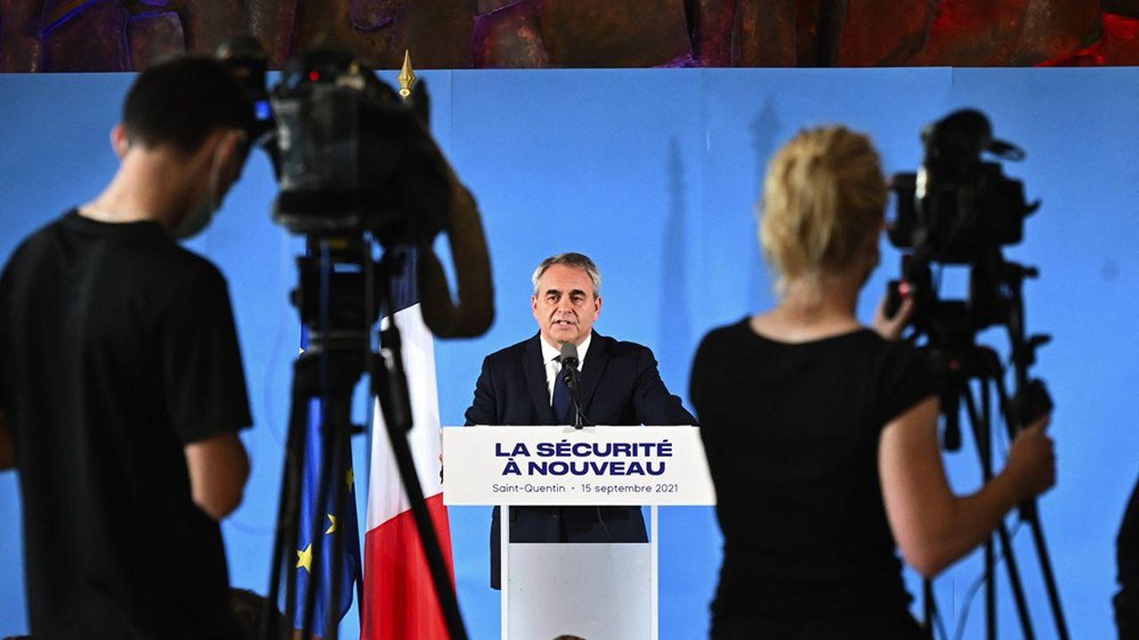 Xavier Bertrand, candidat à la présidentielle, présentait ce mercredi depuis son fief de Saint-Quentin ses propositions en matière de sécurité.