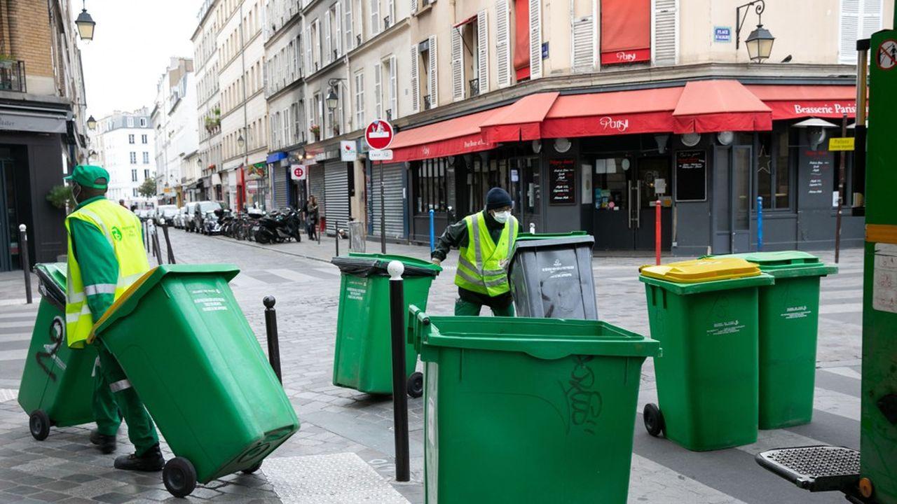 A Paris, comme ailleurs en France, le service de ramassage des poubelles n'a pas été interrompu par l'épidémie.