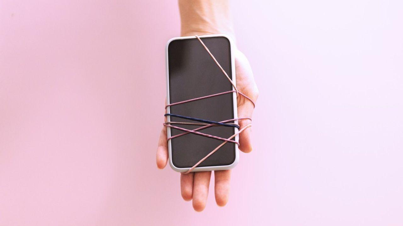 En 2021, jusqu'à 21 % de Français se déclarent incapables de se passer de leur smartphone, selon une étude diligentée par Google.
