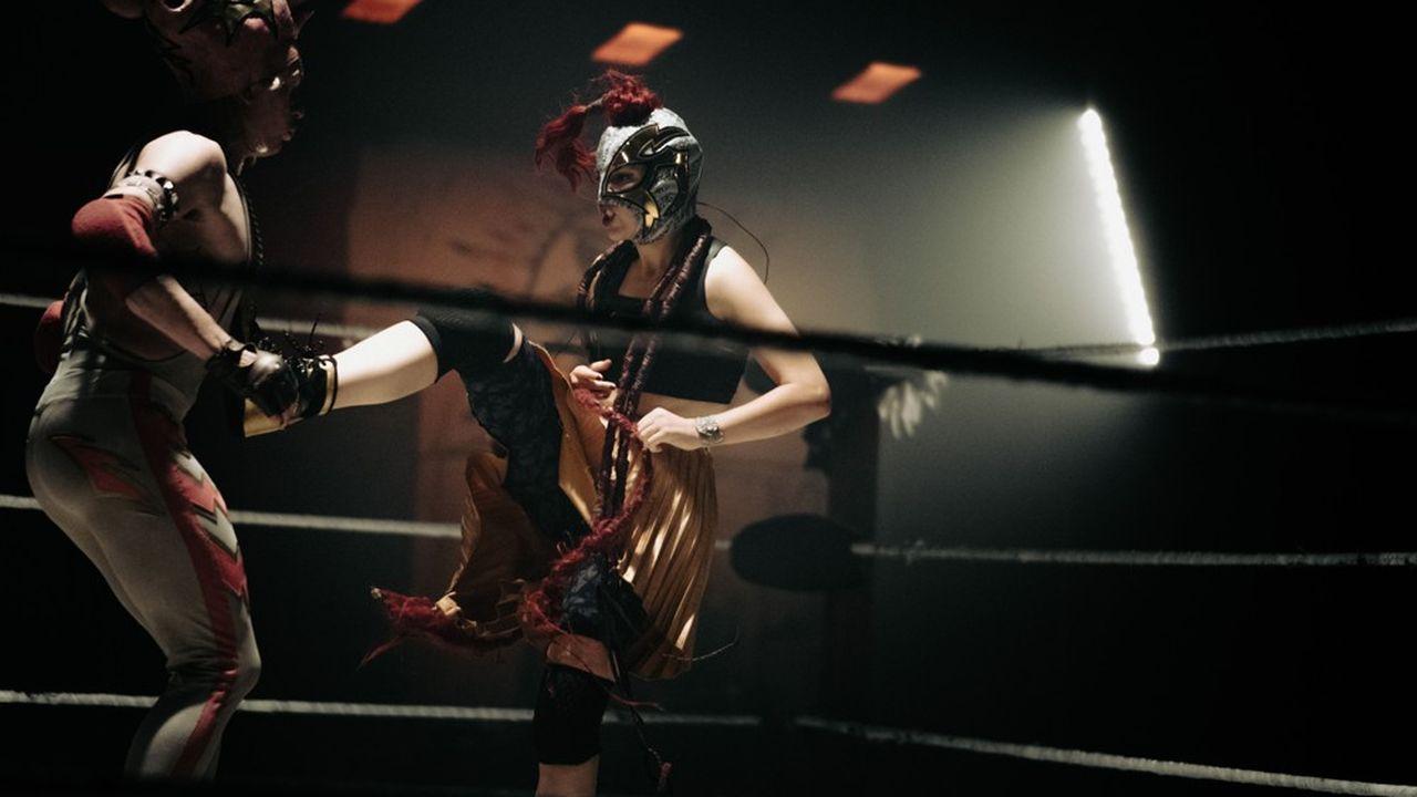 Le combat sans merci entre Battery Pork (Thibault Lacroix) et Misandra (Camille Bernon)