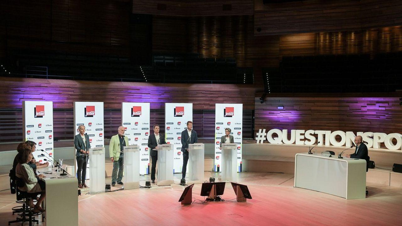 Les cinq candidats à la primaire écologiste lors de leur premier débat télévisé, le 5septembre 2021