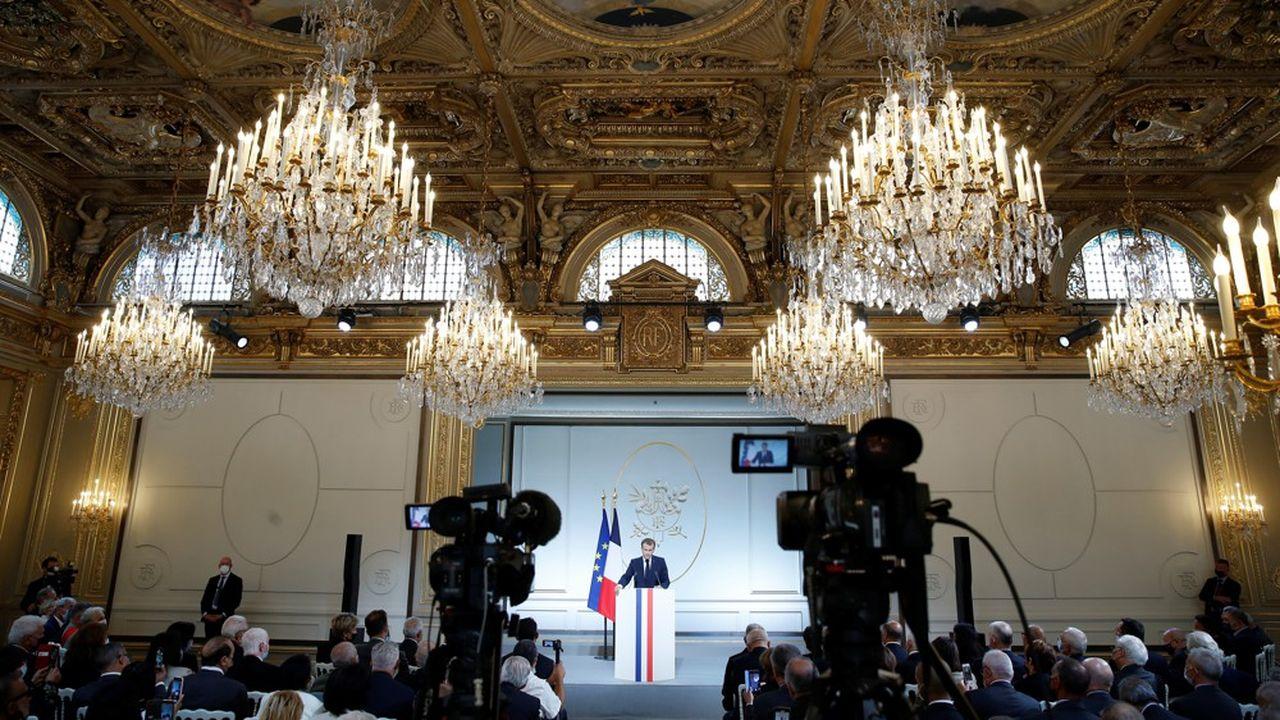 Emmanuel Macron a promis ce lundi un projet de loi de reconnaissance et de réparation pour les Harkis, avec à la clé, une commission d'indemnisation.