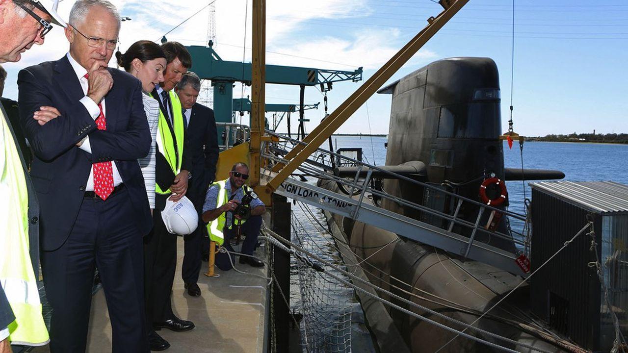 Dans l'immédiat, l'Australie devra prolonger de dix ans la vie de ses sous-marins Collins, dont les plus anciens devaient quitter le service à partir de 2026.