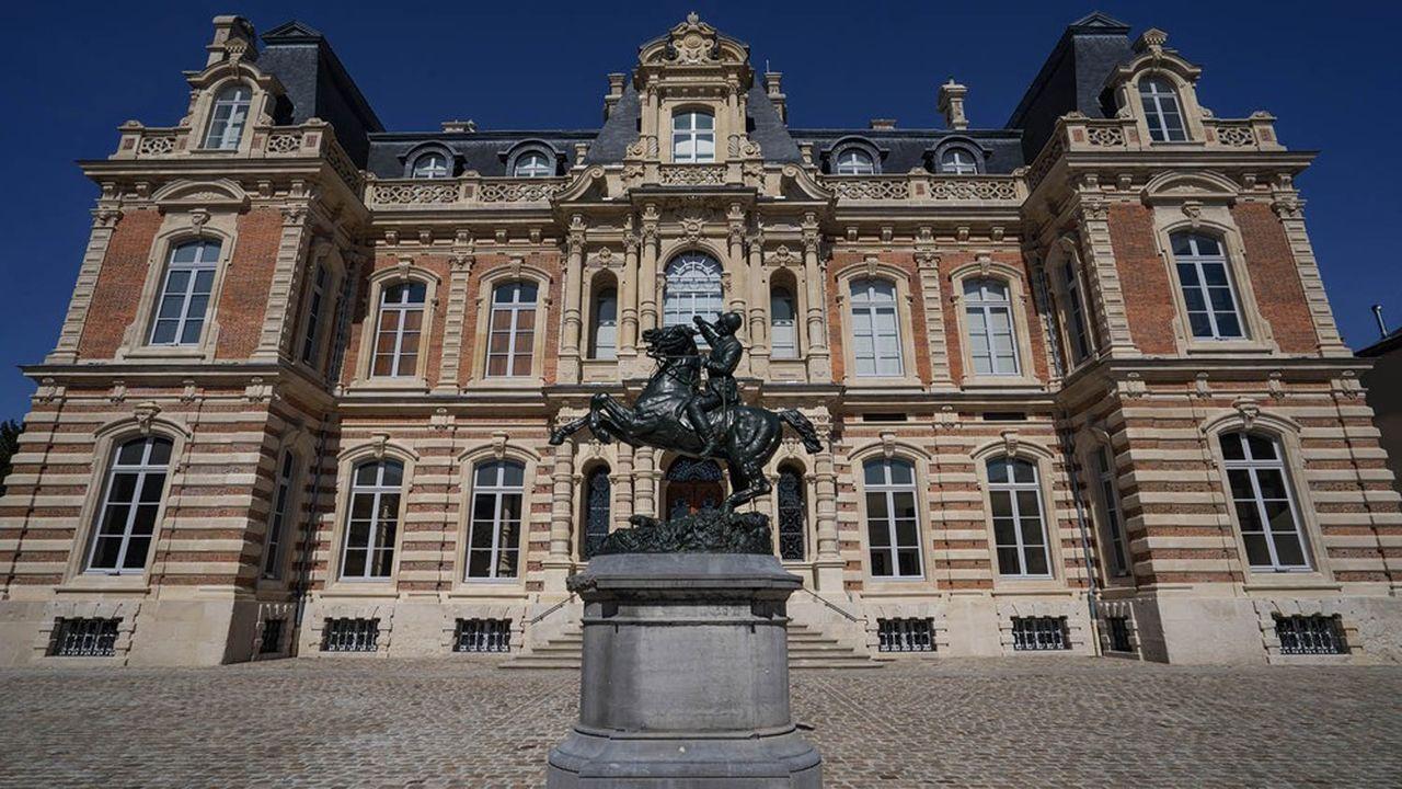 Le musée du Vin de Champagne et d'Archéologie régionale a ouvert ses portes en mai dans le château Perrier, à Epernay.