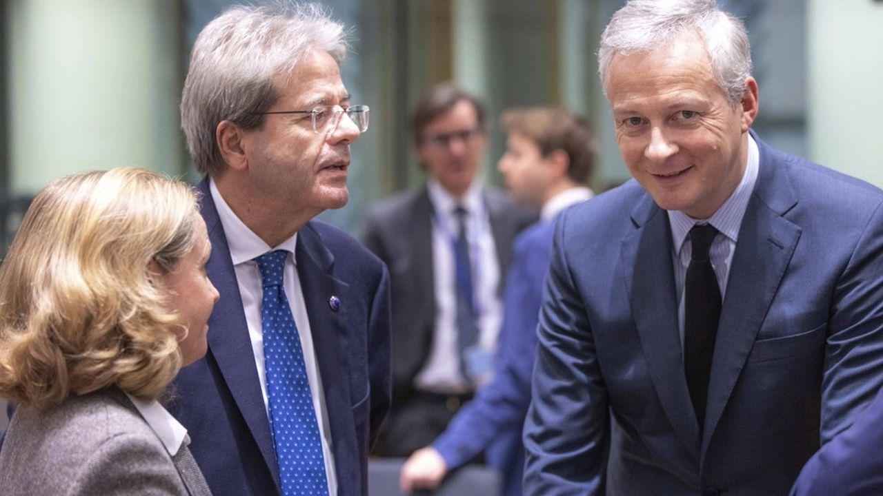 Le commissaire européen à l'Economie, Paolo Gentiloni, se montre compréhensif avec le ministre de l'Economie français, Bruno Le Maire.
