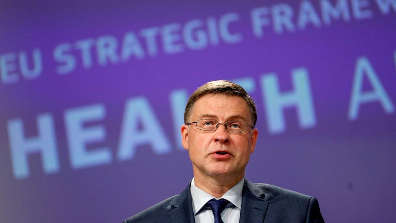 La réforme «permettra aux assureurs de jouer un rôle plus fort dans la relance et la constitution d'une union des marchés de capitaux», selon Valdis Dombrovskis.
