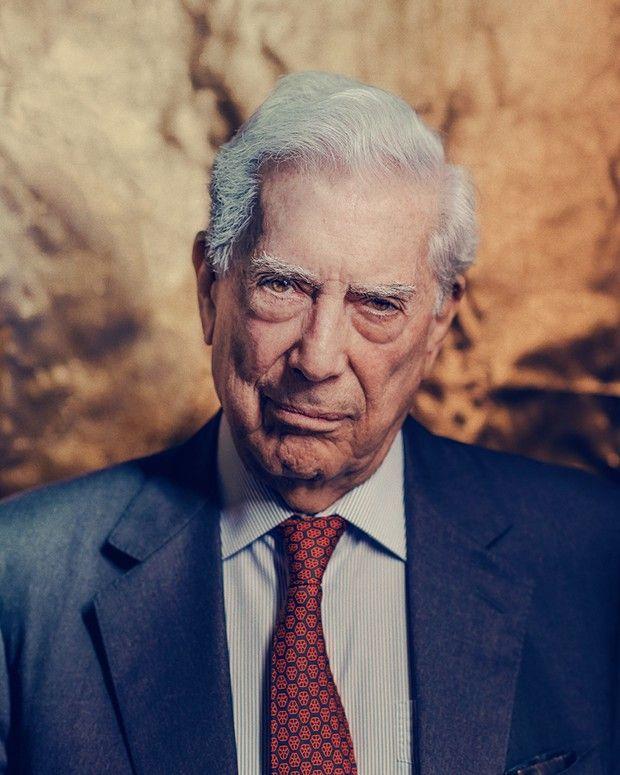 Paris le 7/09/2021 L'écrivain Mario Vargas Llosa photographié chez Gallimard.