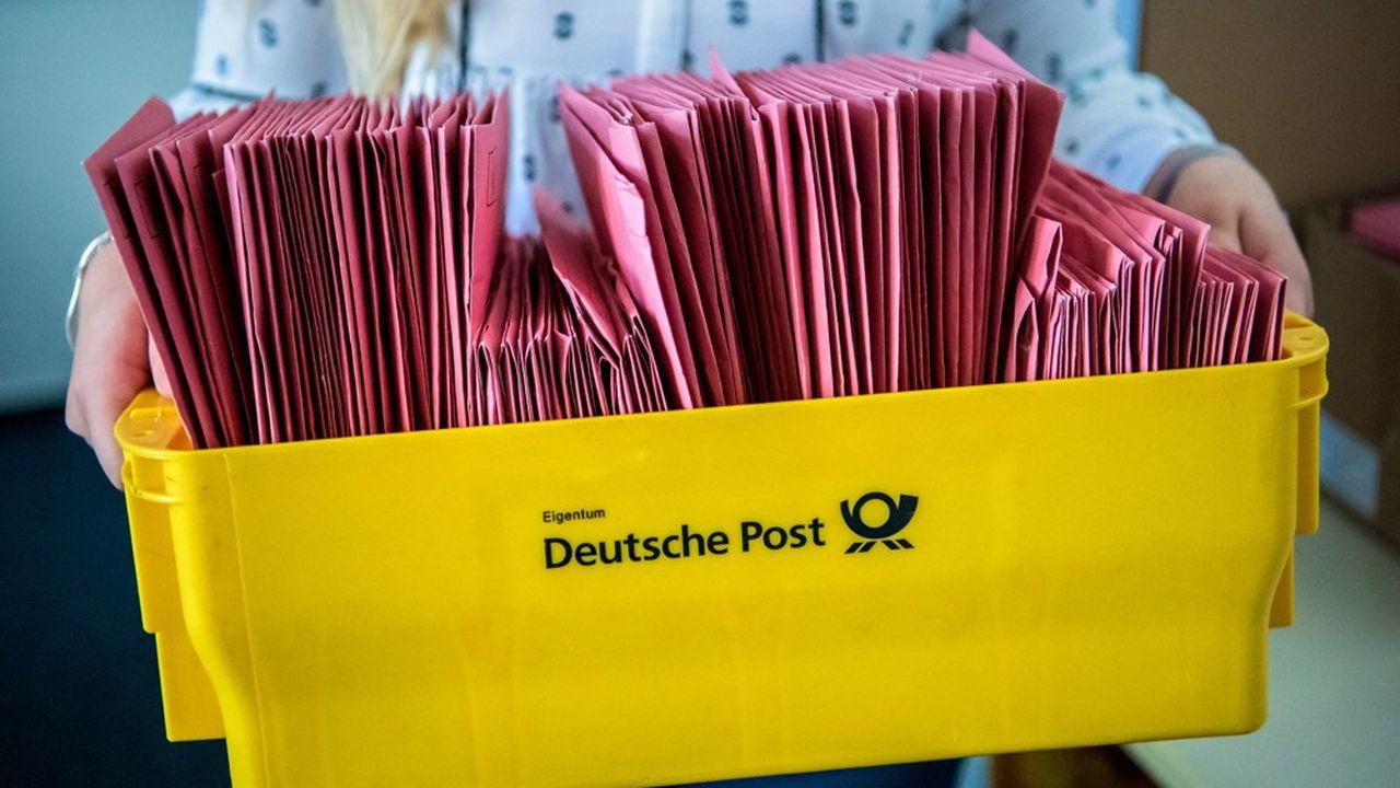 Les Allemands votent une fois mais ont deux voix, dans un système complexe qui mêle scrutin majoritaire et proportionnel.