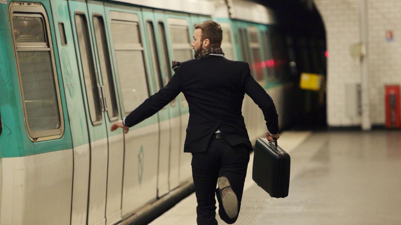 Faut-il professionnaliser sa passion pour être épanoui au travail? Comment trouver du sens au travail? Est-ce mon métier qui me définit?… Oups, le métro est passé! Et je suis toujours à quai.