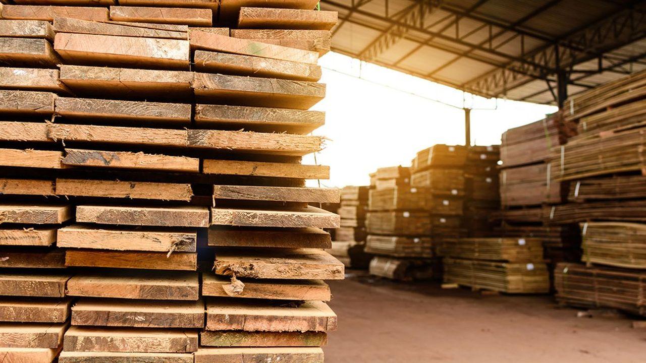 Les professionnels de la construction s'inquiètent de la hausse des cours du bois.