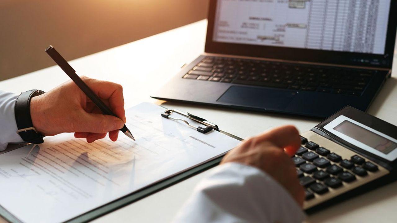 Réalisé depuis le bureau du vérificateur, un contrôle sur pièces consiste à analyser de manière critique les déclarations souscrites par les contribuables en les recoupant avec les autres informations contenues dans leur dossier fiscal.