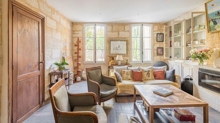 La maison a été entièrement restaurée en 2015 avec des matériaux de qualité.