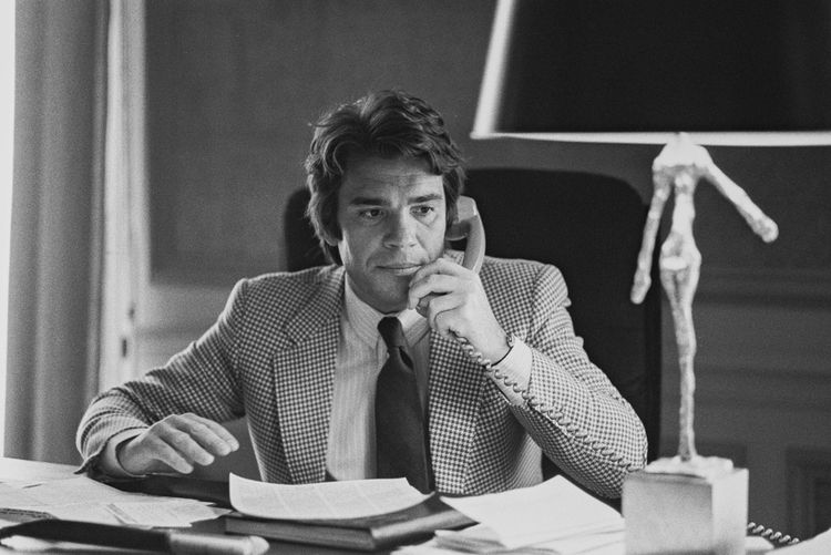 Bernard Tapie en 1980, dans son bureau.