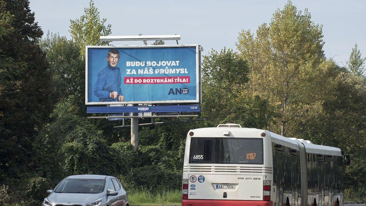 «Je me battrai pour votre industrie», indique l'affiche électorale du Premier ministre tchèque, Andrej Babiš, du parti ANO.