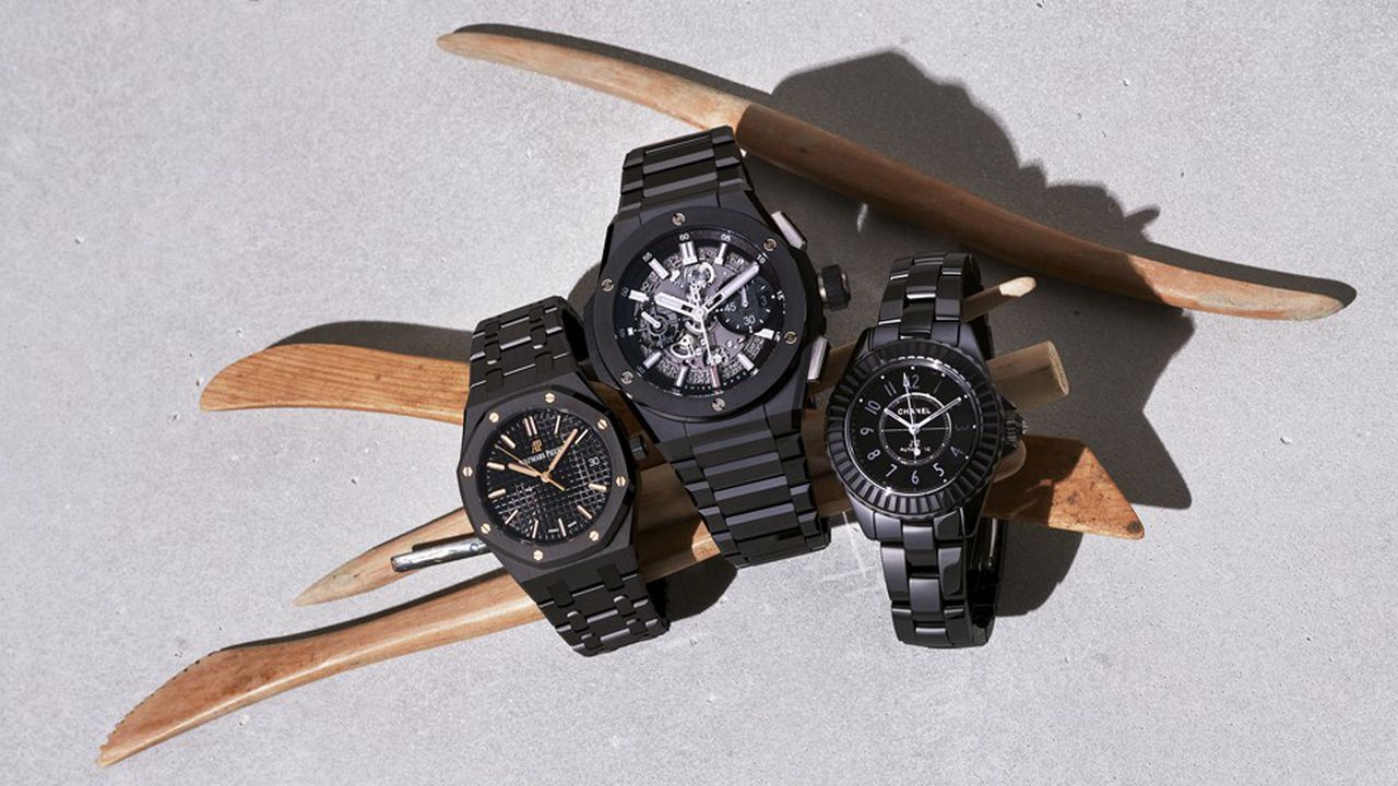 Hublot, Audemars Piguet, Chanel : un trio de chronographes en céramique noire.