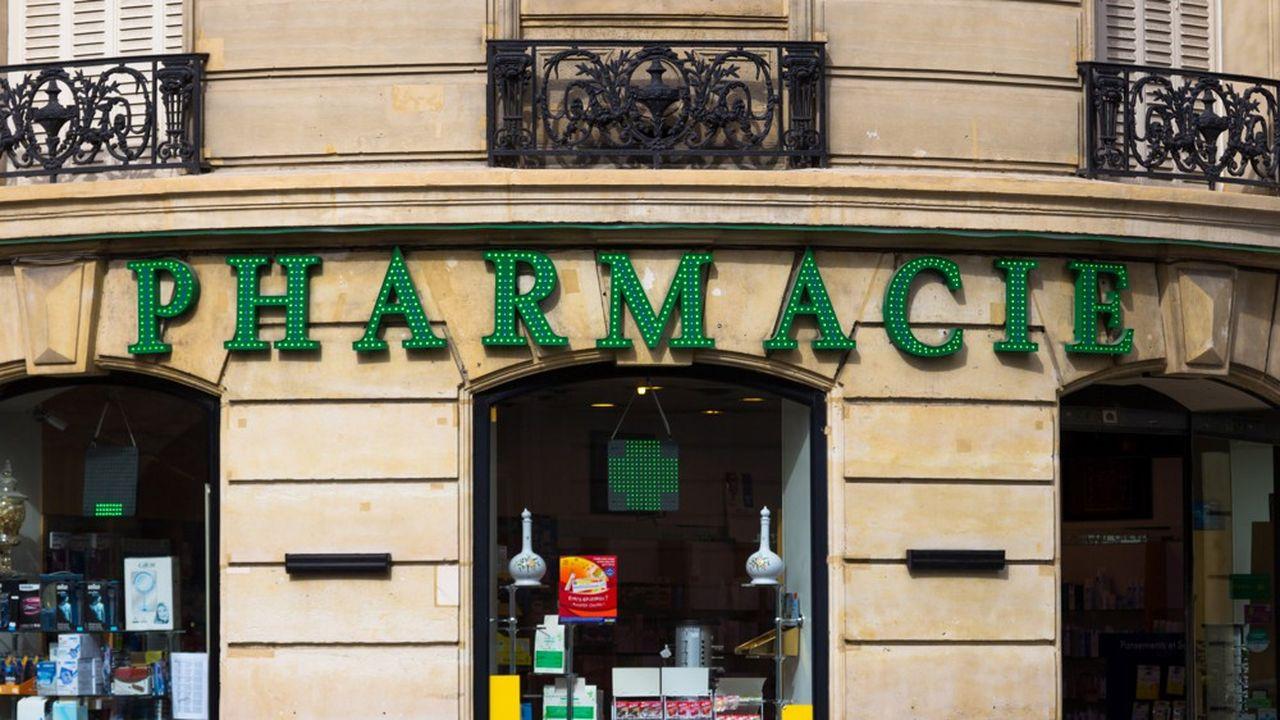 Ce sont les pharmacies les plus importantes, situées dans les centres commerciaux ou les zones de flux comme les gares, qui ont le plus souffert de la crise sanitaire.