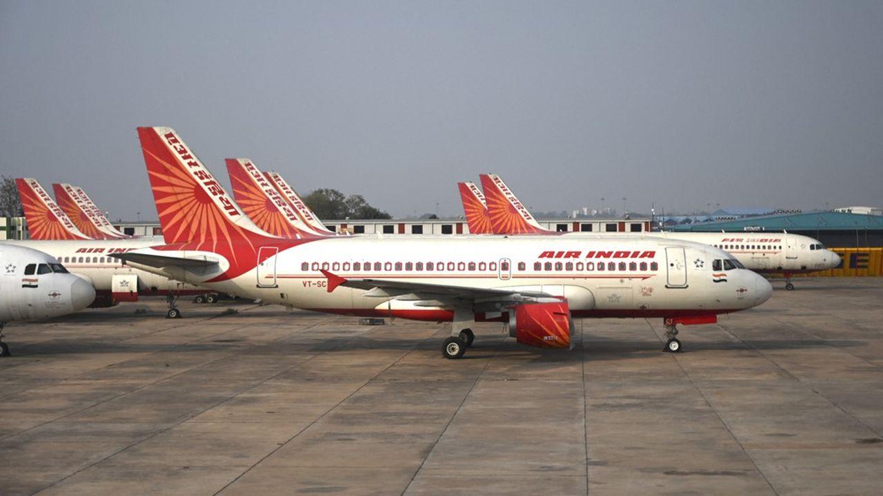 A deux reprises au cours des vingt dernières années, le gouvernement avait cherché à privatiser la compagnie aérienne lourdement endettée, sans jamais y parvenir. Cette dernière n'a pas réalisé de bénéfices depuis 2007.