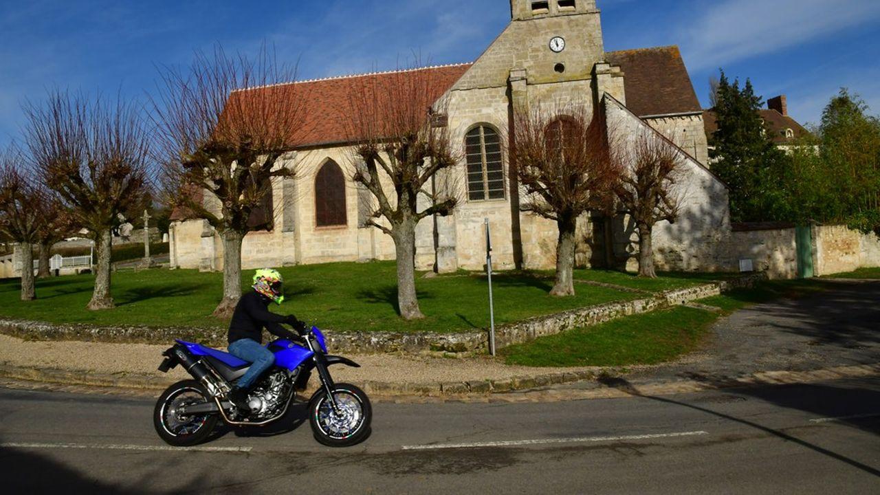 Jusqu'à 500 motos en deux heures sont parfois recensés dans les villages.