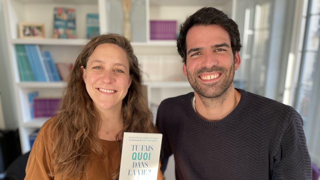 Joséphine Bouchez et Matthieu Dardaillon, les cofondateurs de Ticket For Change et auteurs du Manifeste «Tu fais quoi dans la vie?»