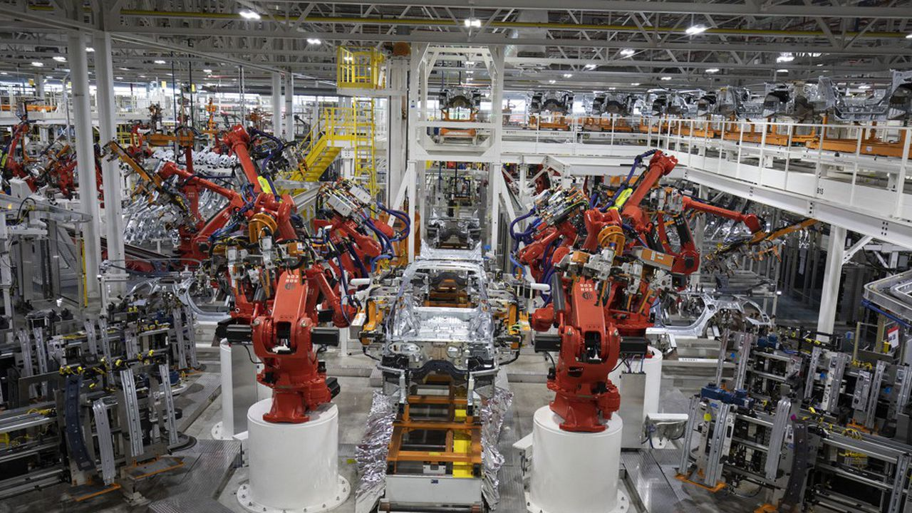 La nouvelle usine de Jeep à Detroit (Michigan) assemble le nouveau Grand Cherokee L et produira le premier Grand Cherokee hybride rechargeable.