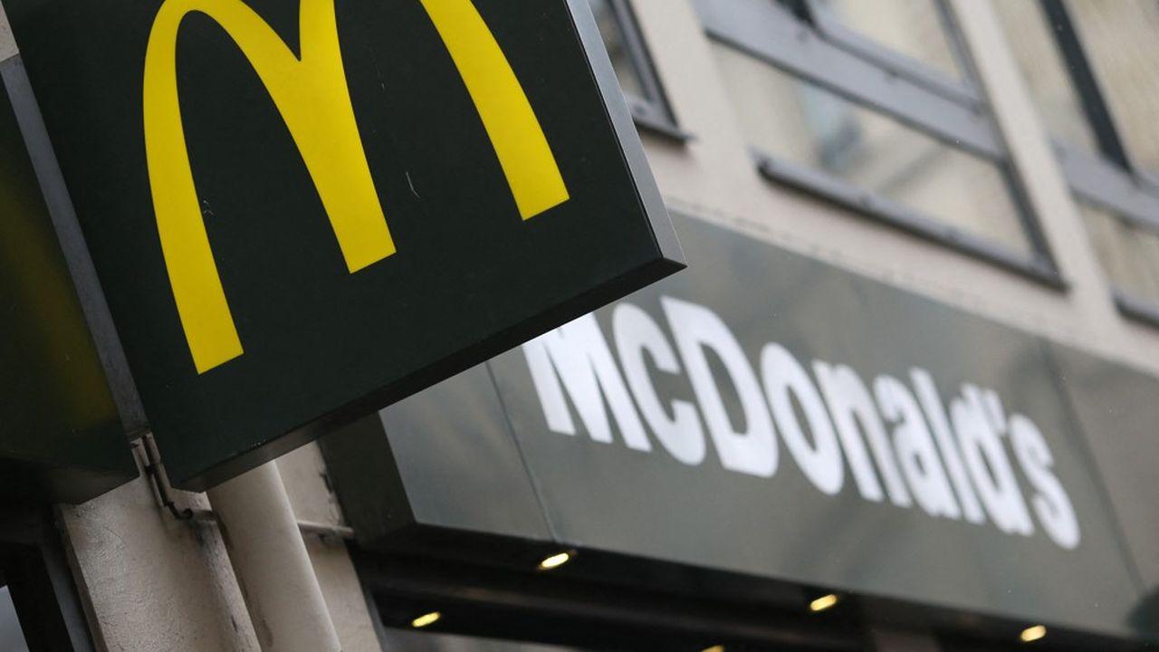 McDonald's s'est engagé, au sein de l'initiative «EU Pledge», à ne pas faire de certains placements de produits auprès de médias tiers destinés aux enfants.