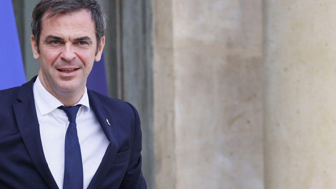 Le ministre de la Santé, Olivier Véran, voudrait savoir comment faire évoluer les rôles respectifs de l'assurance-maladie obligatoire et complémentaire.