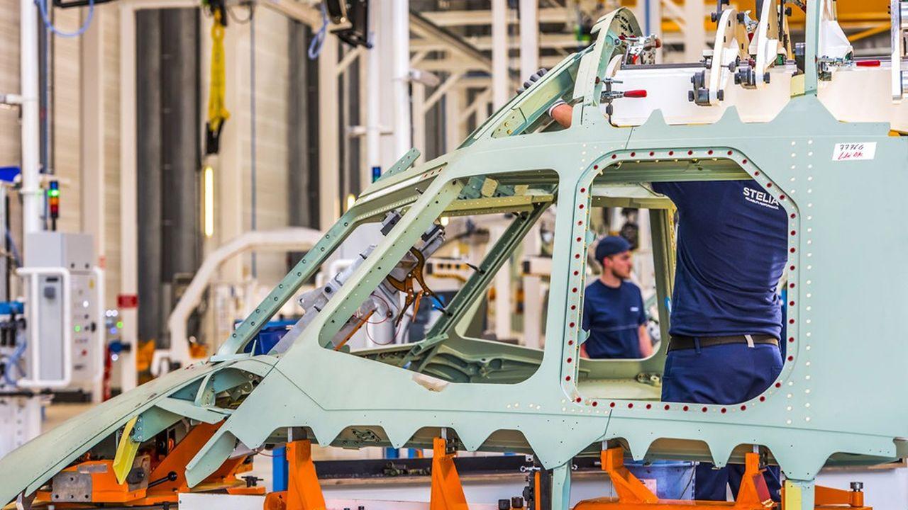 Airbus a demandé à ses fournisseurs de se préparer à un rythme de 64 A320 par mois d'ici à avril2023, soit plus qu'avant la crise.