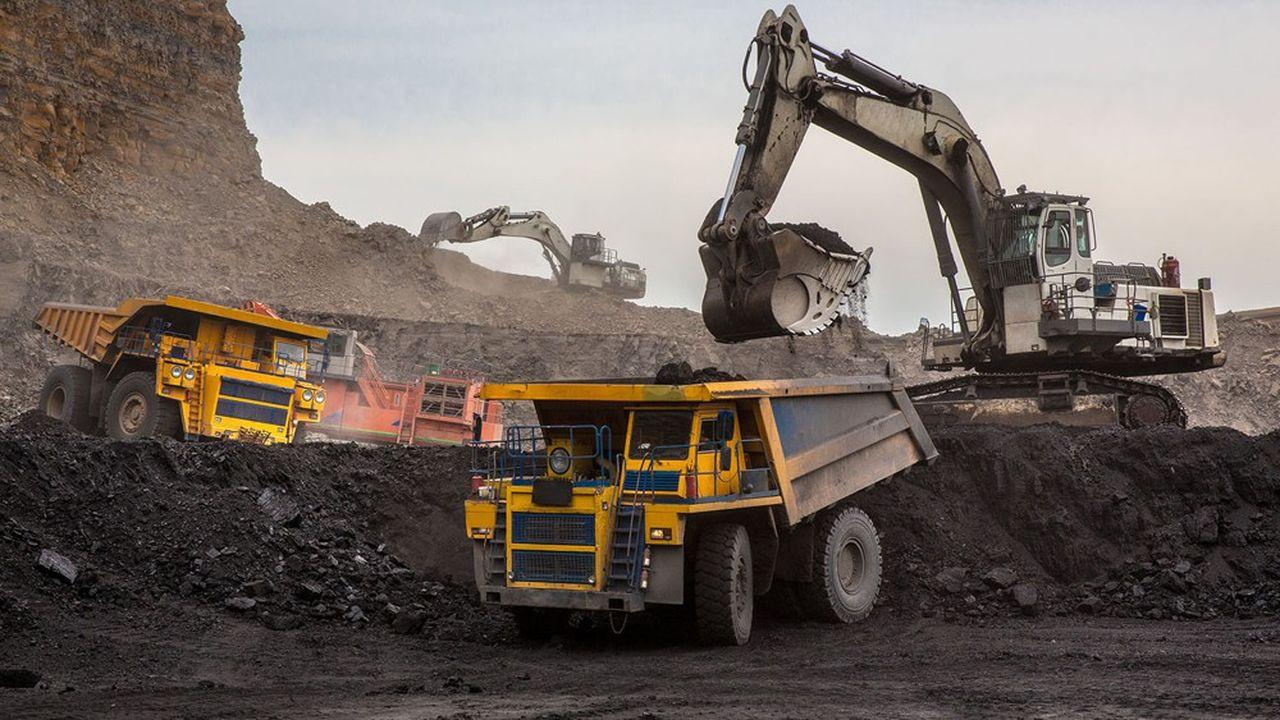 Climat : pourquoi le charbon ne recule pas malgré la diminution des financements