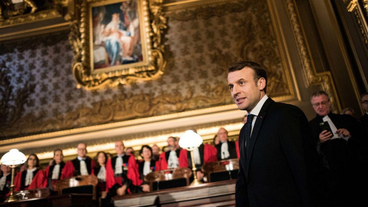 Macron ouvre le débat sur la modernisation de la justice
