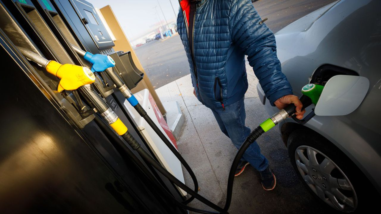 Le casse-tête de l'exécutif pour lancer un chèque carburant